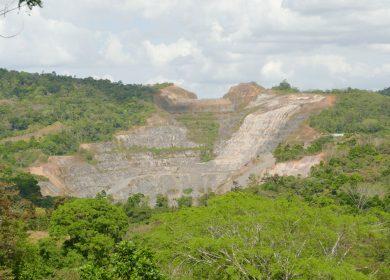 Contaminación de las aguas, destrucción de la tierra, fiebre de oro: el impacto de la minería en Nicaragua